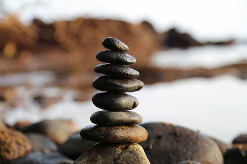 Slick Stones Balance before the Sea